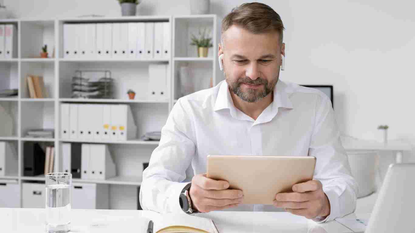 Man using Video Training on ipad